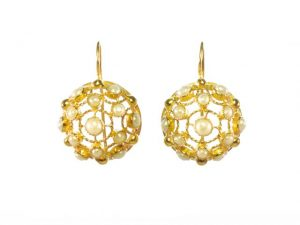 Victorian Filigree Earrings With Pearl – E91104