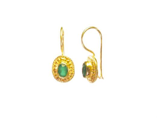 E025-V kleine oorbellen met groene onyx in brede setting
