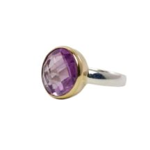 Round Amethyst Ring In Gold Setting – R8910