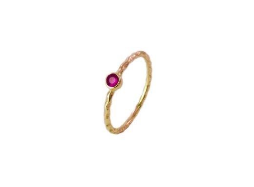 Handgemaakte 18k gouden ring met een robijn R107-G