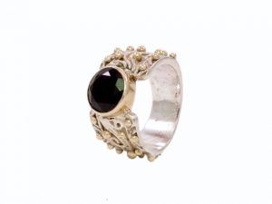 Vintage Chic Dotted Ring With Onyx – R7701