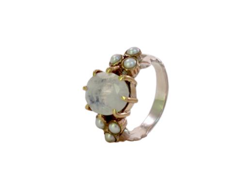 Romantic moonstone ring R15108