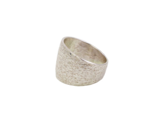 Silver flat oval hammered ring R1455