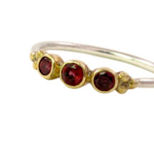 Skinny Ring With Garnet – R1637