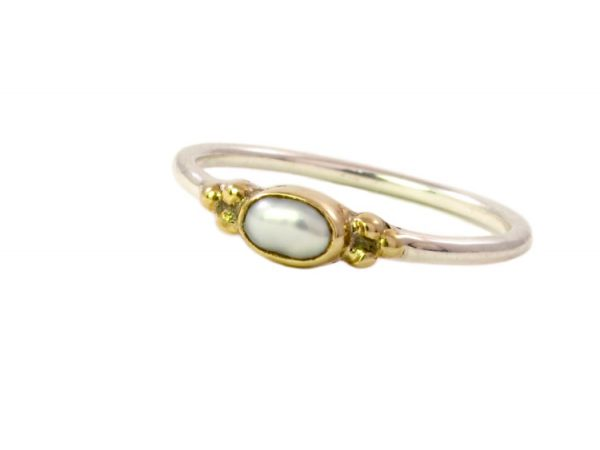 Skinny oval pearl ring R1592